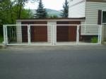atypická vrata s plotovým panelem 3D